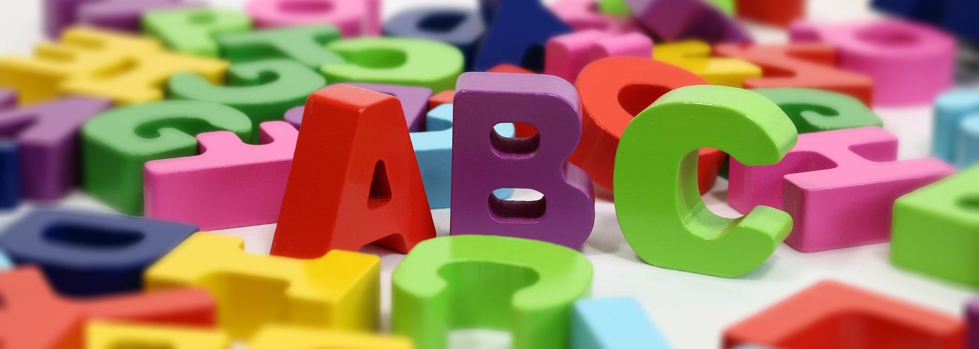 Het schadelijke effect van te vroeg letters leren